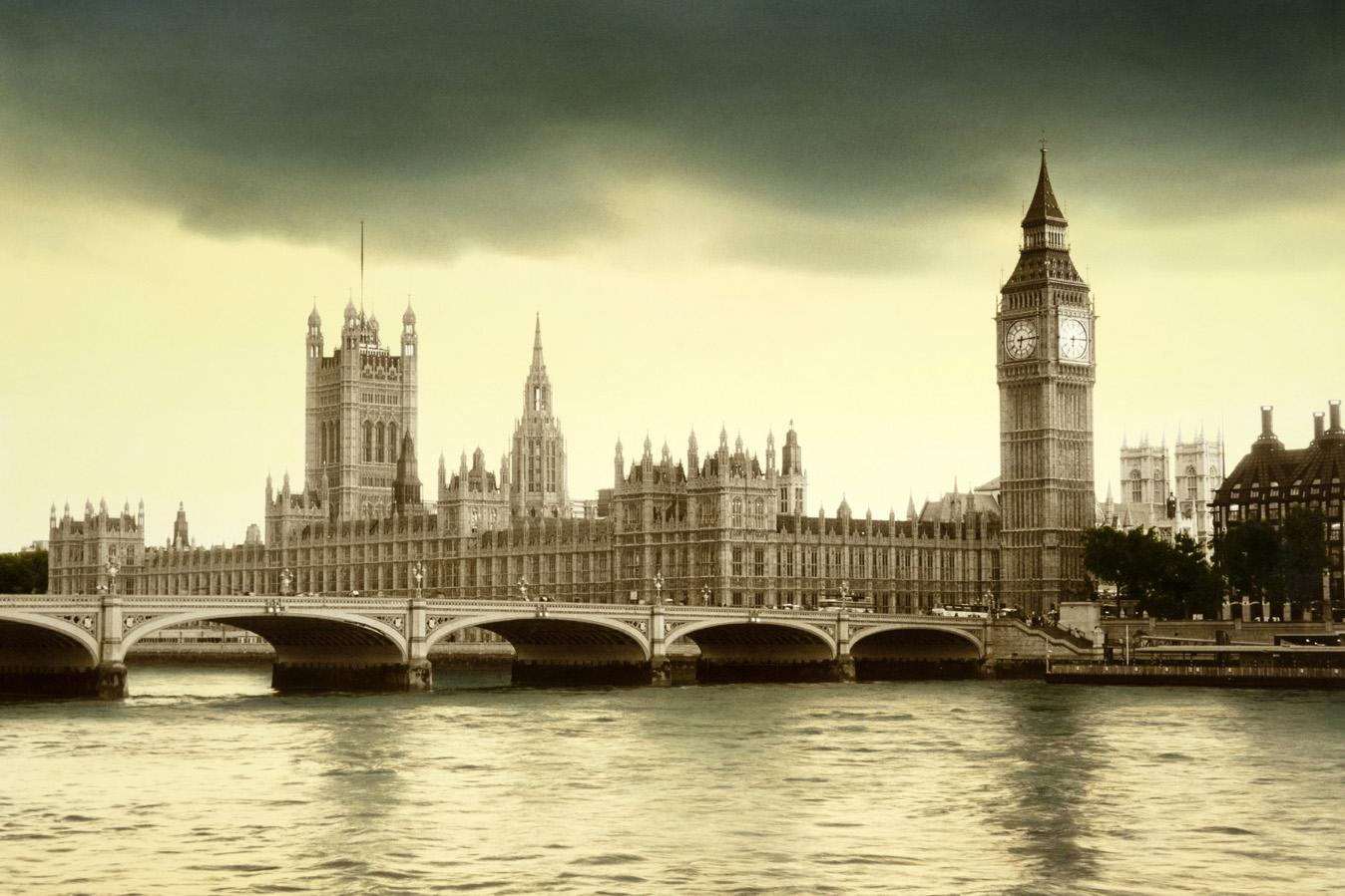 England / Elizabeth George